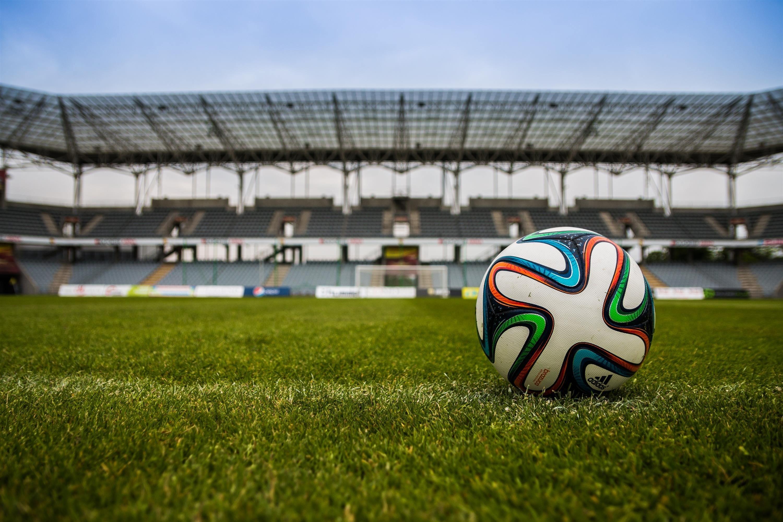 スポーツがうまくなるiOSアプリ「スポとも」におけるSwiftを用いた機能追加・アップデート業務