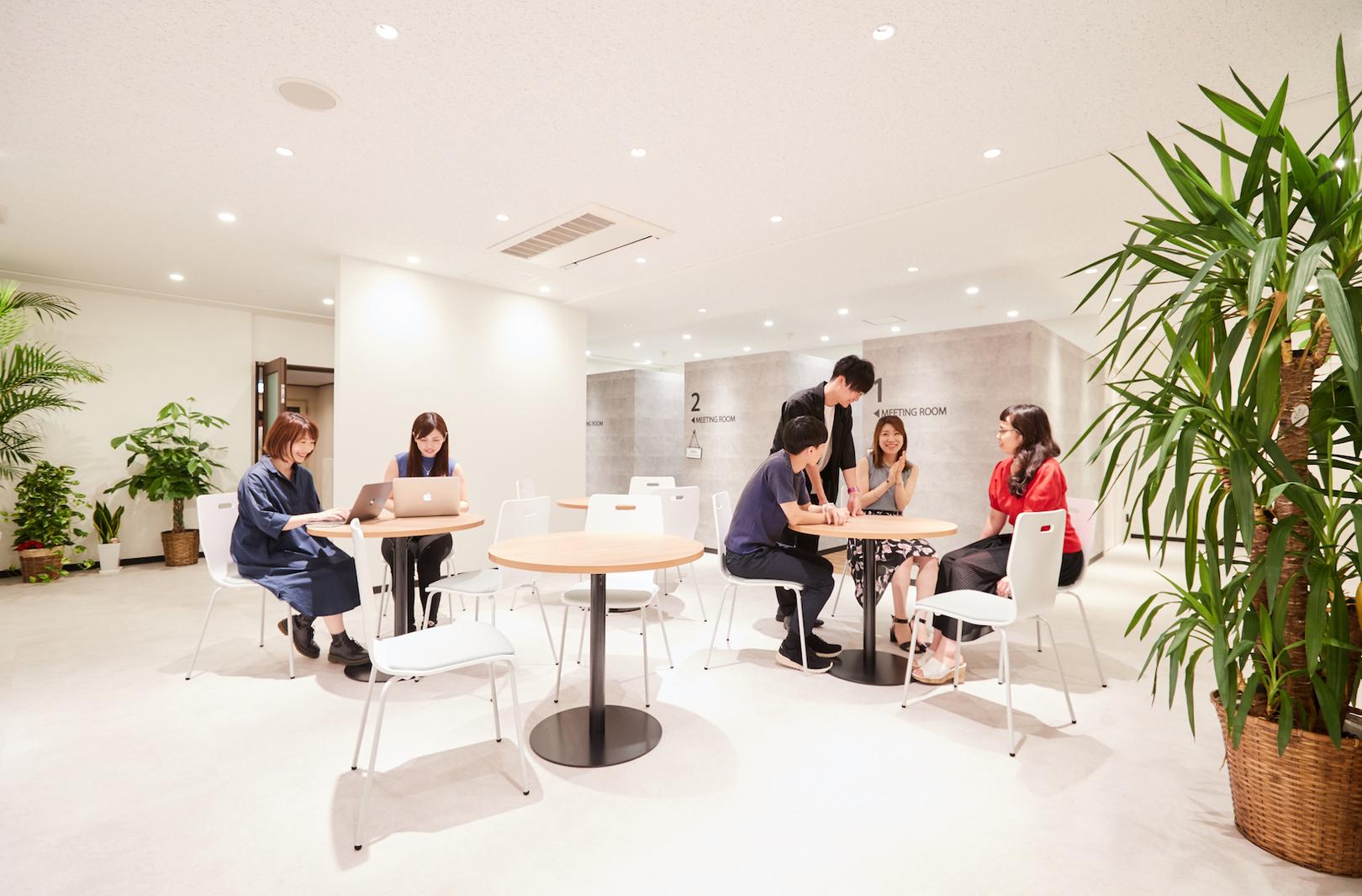 <大阪急成長企業>サービスの顧客満足度を向上させるフロントエンジニア募集